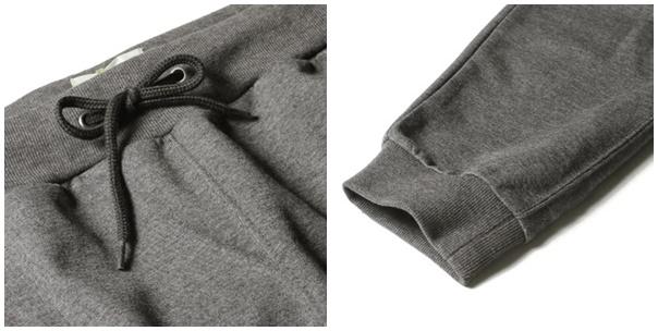 スウェットパンツの裾